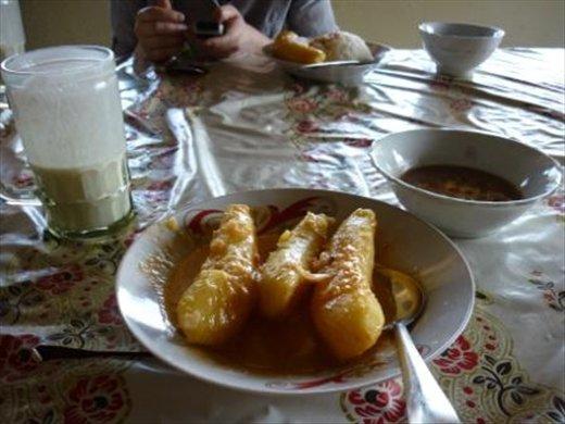 Banana stew and fresh yogurt for lunch