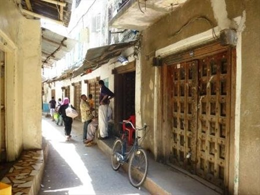 Gorgeous winding maze of Stonetown streets, with great protection from the fierce sun