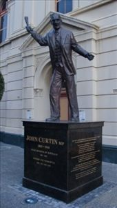 Famous statue of Prime Minister John Curtin, outside of Town Hall in Kings Square. Curtin was Prime Minster during the 2nd World War, and is often hailed as one of Australia's greatest leaders, thanks to his poise and inspiring direction during the war. Like Roosevelt, he died in office in July, 1945, just before the end of the war. He was the MP for Fremantle with the Australian Labour Party, still to this day the only Prime Minster from a Western Australia electorate (riding).: by flyted, Views[913]