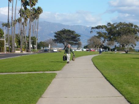 This is the walk along the sea that begins our glorious walk to the health food store
