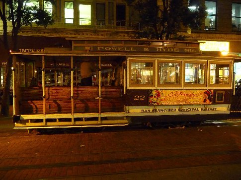 the old tram, yes mum, i went on it, and took the cheesy pictures.. see!