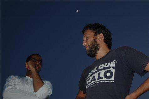 Charlando bajo la luz de la luna / Chatting under the moonlight