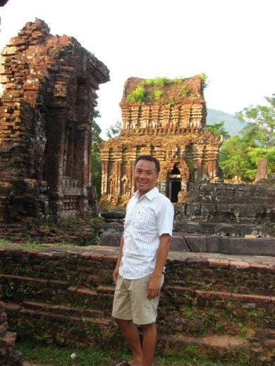 Nous avons visité MySon: des ruines du même type que celles visitées au Cambodge.