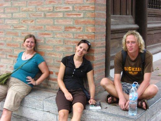 Il faisait chaud et humide. Notre longue marche nous a épuisée. Et ça c'était avant qu'on parte dans la mauvaise direction!