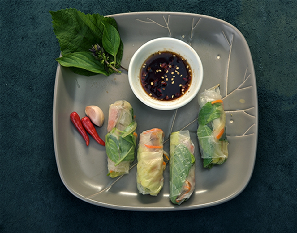 The vegetarian wrap and roll would be best served with soy sauce.
