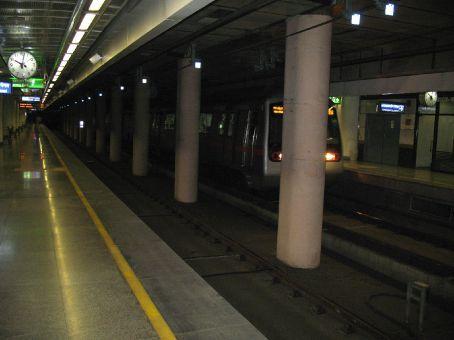 Delhi Subway..Where are all the people?