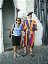 the Swiss army has been guarding the Vatican for centuries: by globetrottingwanabees, Views[1564]