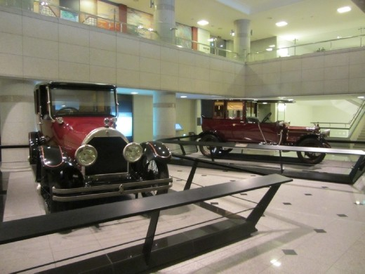 Classic vintage automobiles at National Palace Museum of Korea (국립고궁박물관).