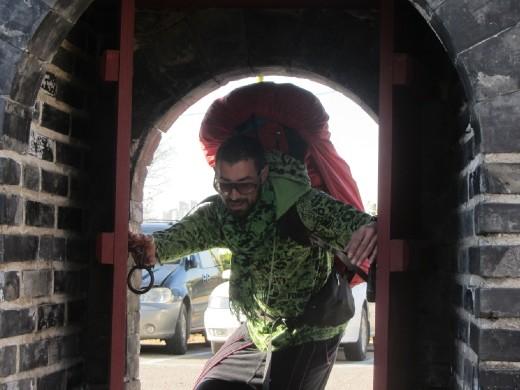 Dario makes it through Hwaseong Fortress!