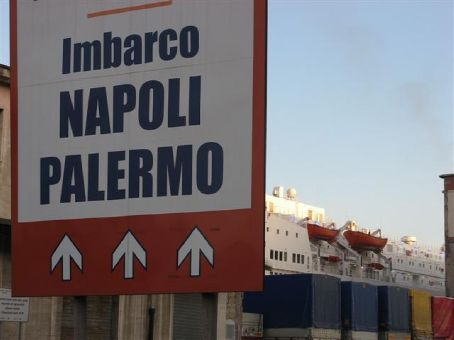 Ferry a Palermo.