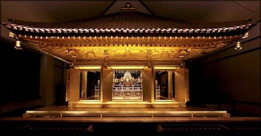 Chūsun-ji Temple Golden Hall (internet photo)