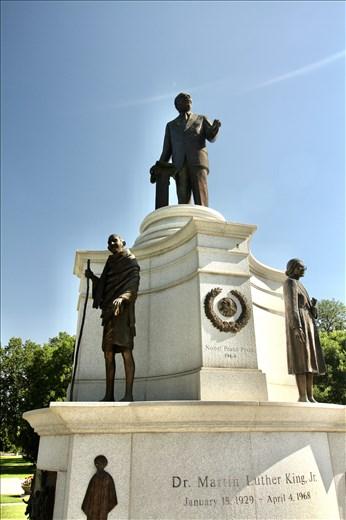 MLK standing on the shoulders of Mahatma Gandhi and Rosa Parks