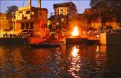Cremation in Varanasi in better times: by graynomadsusa, Views[34]