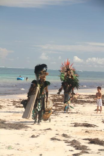 Sunday Mayan invasion, Puerto Morelos