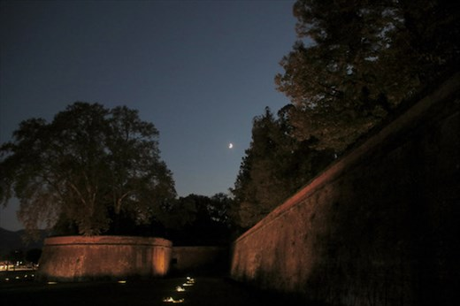 Moonrise over Lucca's Wall