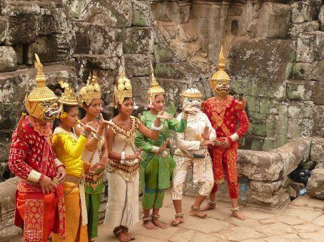 Angkor touri show