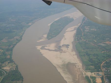 Mekong border Thailand left, Laos on the right side...