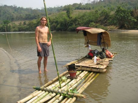 river tour from Thaton to Chiang Rai - swiss guy build his own raft