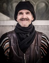 A warm smile from the keeper of one of the mosque in Istanbul: by guitarman74uk, Views[370]