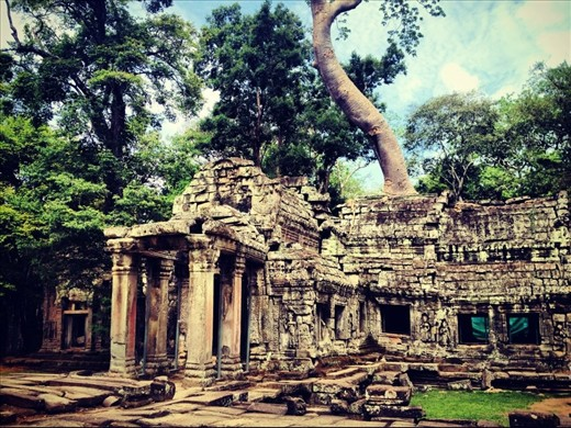 Birthday trip 2012, I decided to celebrate life and love in Cambodia. Get lost in a beauty of Angkor Wat