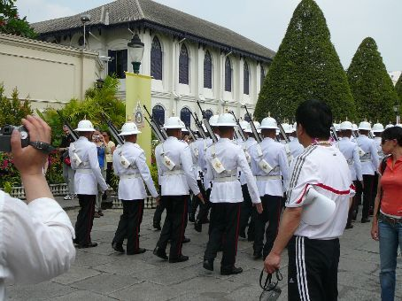 Guards at The Grand Palace (note: fab little satchels)