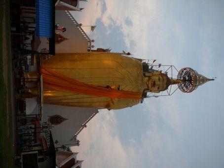 Standing Buddha (very tall)