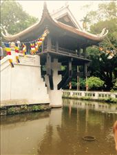 The one pillar pagoda, a buddhist temple constructed by emperor Ly Thai Tong in the 11th century.: by hannap, Views[90]