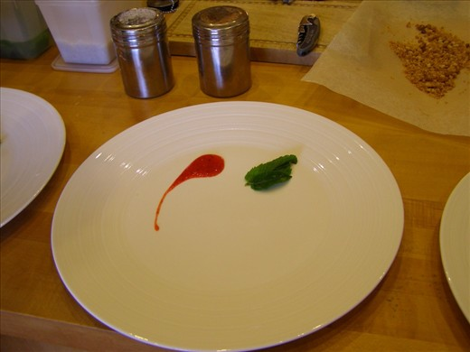 Decorate the plates