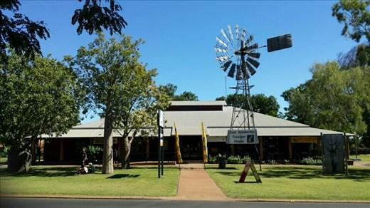 Das Visitors Centre in Kununurra. Dort gab es erstklassige Bedienung.