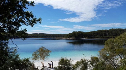 Lake McKenzie auf Fraser Island. Das Wasser war wesentlich waermer als bei der Finch Hatton Gorge.