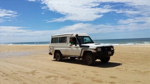 4WDing on Fraser Island. Enorm!