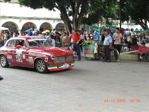 Vintage Car Rally in Oaxaca town square