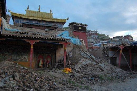 Quake damage at Yushu Monastery