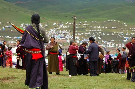 It was kind oflike Woodstock for Buddhists, no tickets or toilets, lots of tents and general chaos