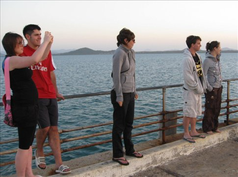 Elaine, Ronan, Julia, Shane and Katharina either giving me the cold shoulder or checking out a nice sunset from Bowens pier.