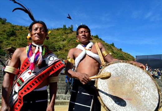 Two Zeilang elders summon their ancestors with their beats