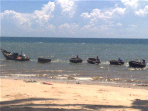 fishing boat convoy at Mui Ne