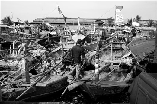 A description of coastal density in Jakarta that can not be separated from the word poverty. The small fishing village at Cilincing is only an example from pockets of poverty in coastal Jakarta and Indonesia. Fisherman in this place was just a small fisherman and never be the owner from the boat. They will never win of wholesaler and financiers.