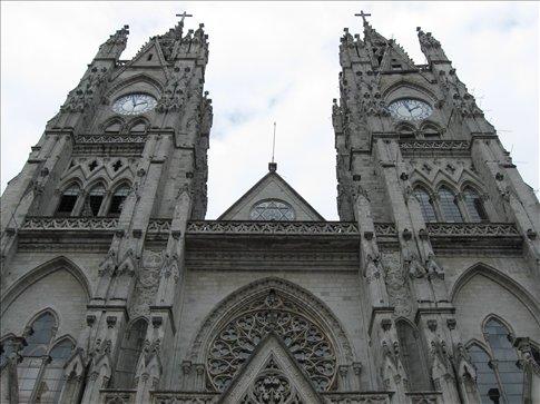 Basilica del Vota Nacional, Quito