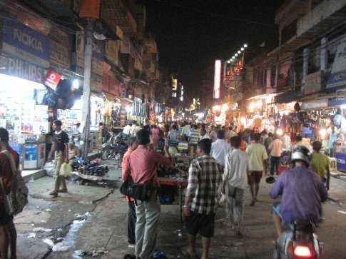 Just another calm, serene night in the streets of Delhi! This is Main Bazaar, the area where we stayed our first nights in India.