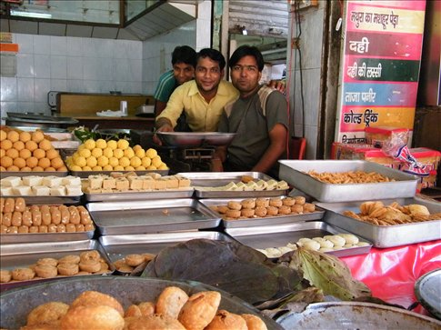 Some of our favorite samosa friers on the streets of Haridwar