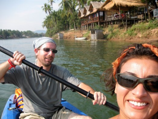 We spent one day exploring those waterways kayaking. Except for a few failed attempts to push through strong currents, we hit an in-synch paddling groove!