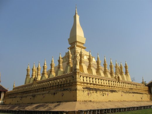 Pha That Luang is a golden stupa (a building that represents the teachings of the Buddha) in the heart of Vientiane (capital of Laos) -- and is a national symbol beloved by the Laos people.