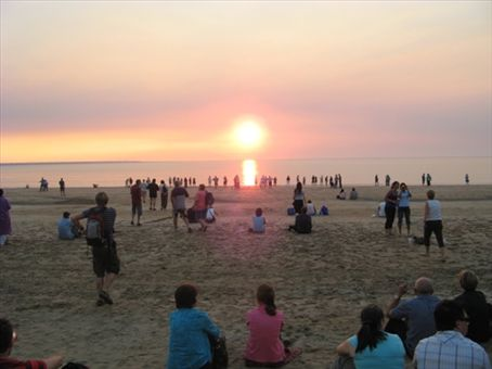 Darwin sunset markets