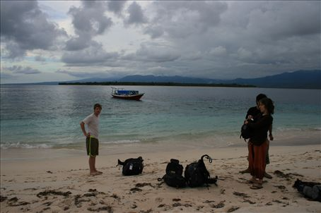 Dumped on the beach of Gili Meno - very film style !!