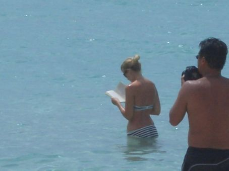 Strange chap taking a pic of dan reading