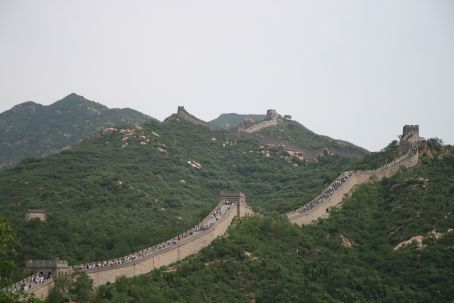 The great wall - with lots of people on it..