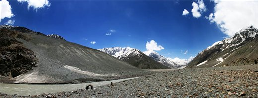 this photo has been taken in way to Kaza to Rohtang place named Batal.