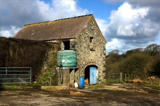 Country Living - Much of the Pembrokeshire coast hardens back to a time of simpler living, one that has remained largely untainted by modernisation.