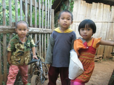Kids in the Shan village.